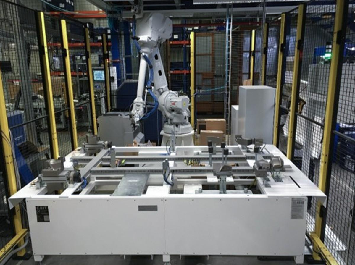 roboticke a montazne linky
